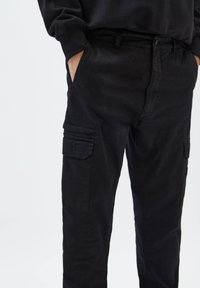 PULL&BEAR - Cargo trousers - mottled black - 4