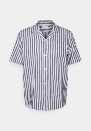 SLHRELAXWADE - Skjorta - white