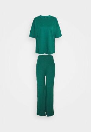 WIDE LEG SET - Kalhoty - green