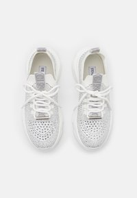 Steve Madden - MACKIE - Sneakers laag - white - 5