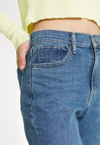 Levi's® - HIGH WAISTED MOM - Jeans Tapered Fit - fit the bill - 3