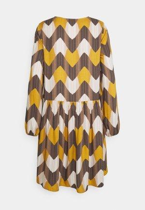 ZIG ZAG VOLANT DRESS - Denní šaty - multicolour