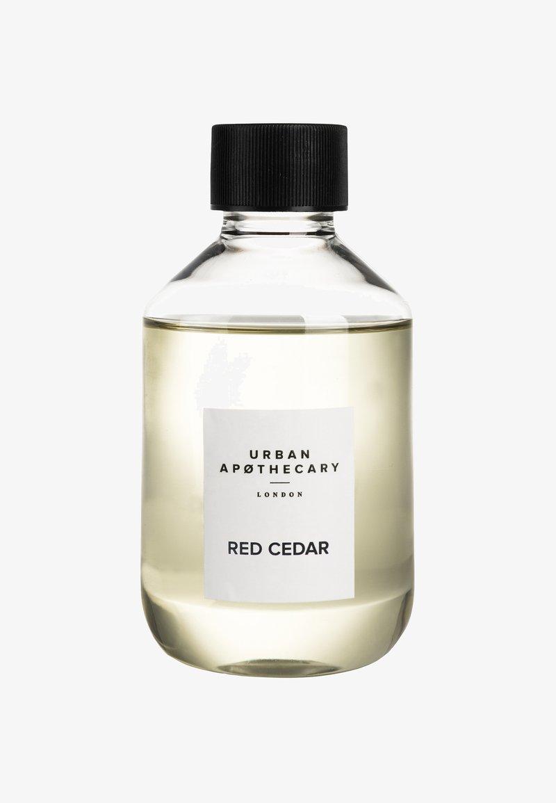 Urban Apothecary - DIFFUSER REFILL - Home fragrance - red cedar