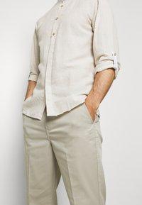 Springfield - MAO ROLLUP - Shirt - beige - 3