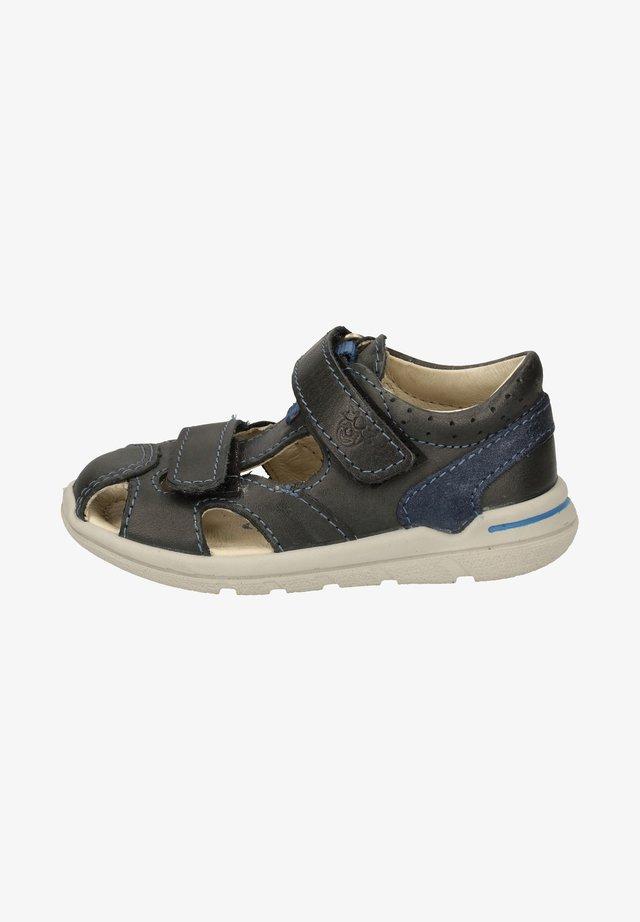 Sandaler - see