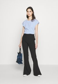 WEEKEND MaxMara - NOREL - Print T-shirt - azurblau - 1
