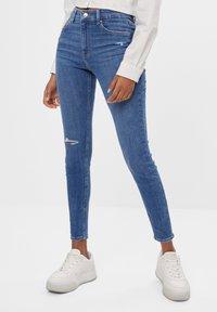 Bershka - MIT HOHEM BUND  - Jeans Skinny Fit - blue - 0