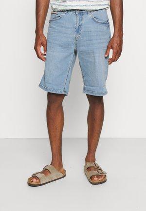 BERM SUPERLIGH - Denim shorts - medium blue
