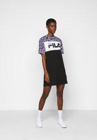 Fila Tall - ALLI TEE DRESS - Jersey dress - black/sand verbena/bright white - 1