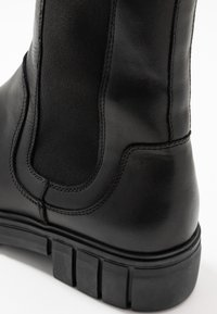 Shoe The Bear - REBEL CHELSEA HIGH - Classic ankle boots - black - 2