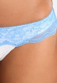 LASCANA - Thong - light blue - 3