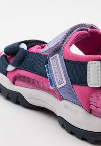 Geox - BOREALIS GIRL - Walking sandals - navy/fuchsia - 5