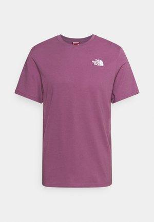 REDBOX TEE - Print T-shirt - pikes purple