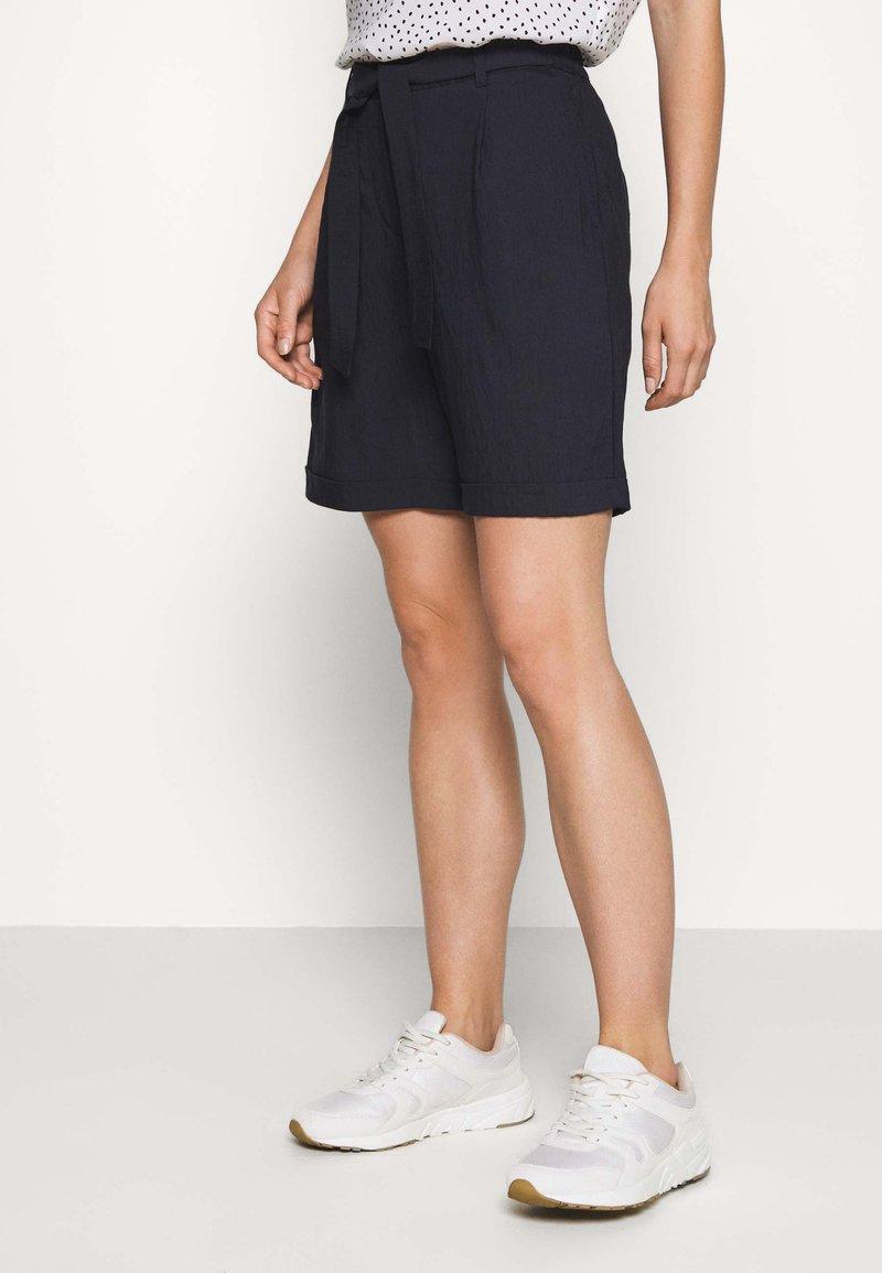 comma - Shorts - tinte