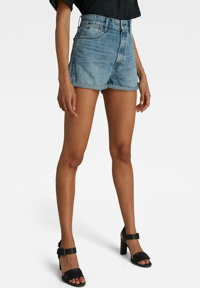 TEDIE ULTRA HIGH - Shorts di jeans - sun faded ice fog destroyed