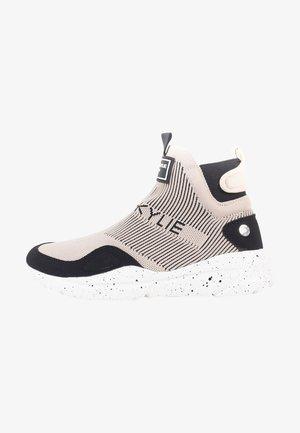 Sneakers laag - black/nude