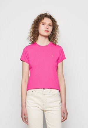 Basic T-shirt - peony