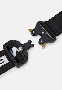 Mennace - HEAVY CLIP BODY POUCH BAG UNISEX - Bum bag - black - 3