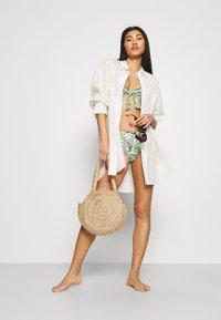 Esprit - PANAMA BEACH - Bikini top - light khaki - 1