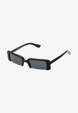 GIGI HADID SOHO - Sunglasses - black