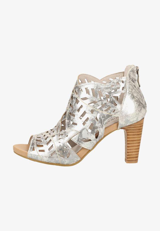 Sandaletter - silver