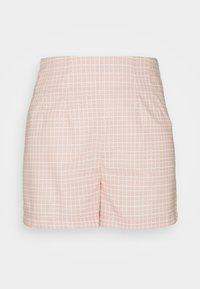 Glamorous - SEERSUCKER - Shortsit - peach grid - 0