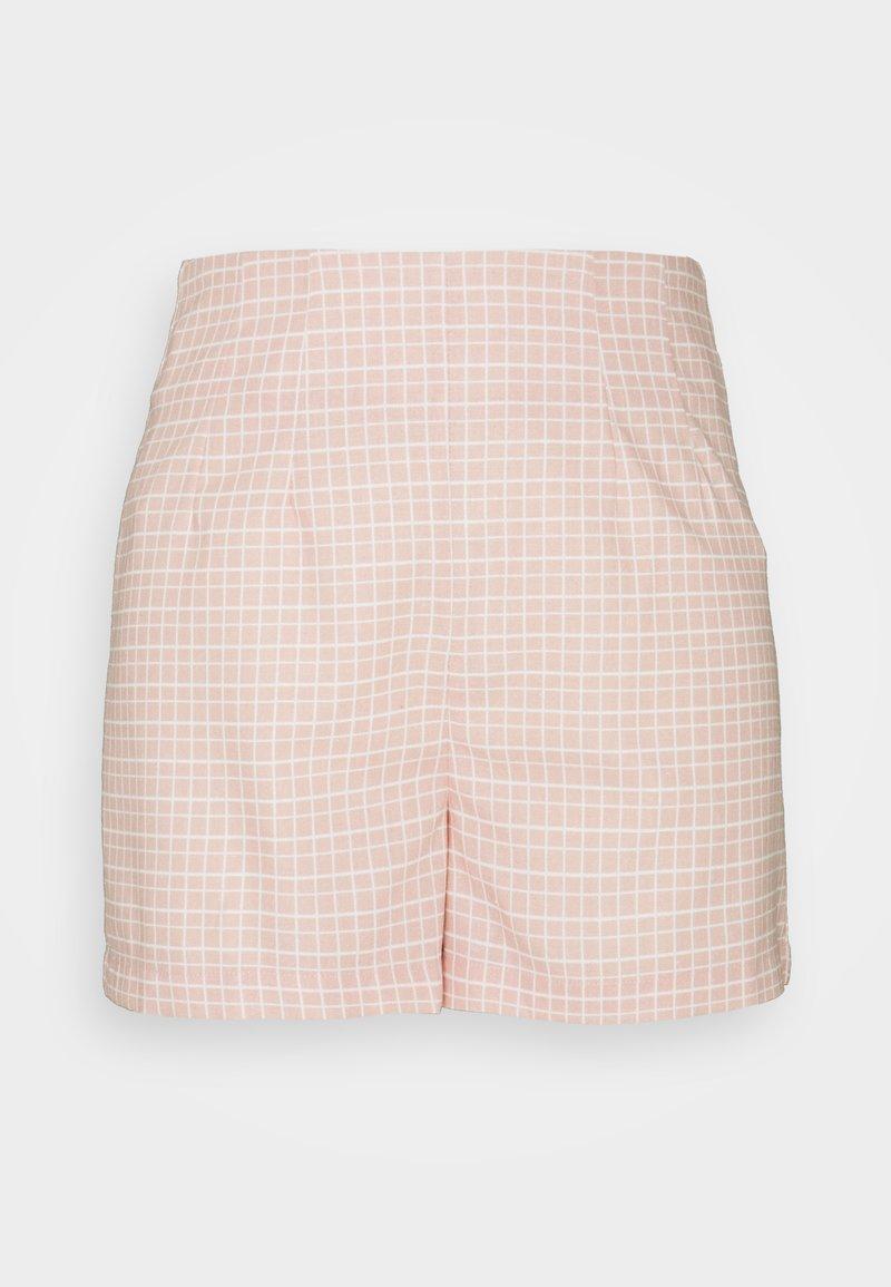 Glamorous - SEERSUCKER - Shortsit - peach grid