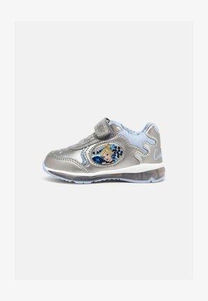 DISNEY PRINCESS CINDERELLA BABY TODO GIRL - Sneakersy niskie - dark silver