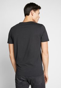 Pier One - T-shirt imprimé - black - 2