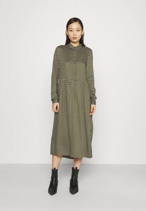 VMFIE DRESS  - Shirt dress - ivy green/birch