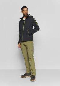 Icepeak - BARLING - Soft shell jacket - green - 1
