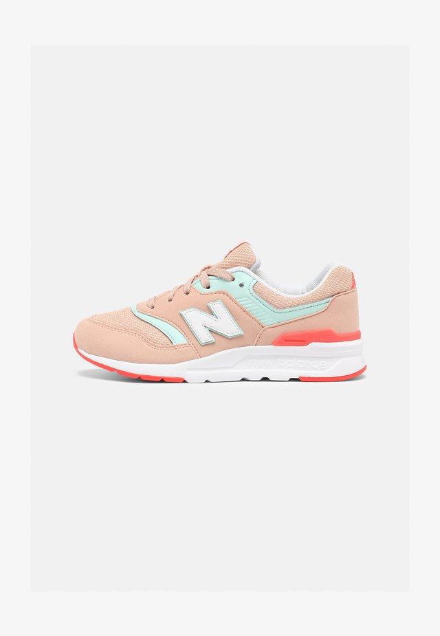 GR997HSG - Sneakers - pink