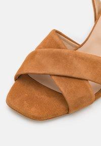 Furla - Sandały - miele - 6