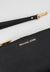 MICHAEL Michael Kors - MERCER PEBBLE - Portefeuille - black - 2