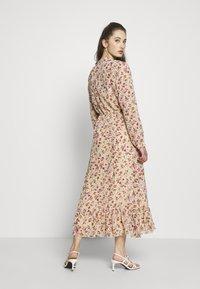 ONLY - ONLPAULA DRESS - Maxi-jurk - sand - 2
