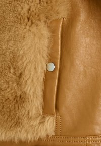 Coach - SHEARLING JACKET - Leather jacket - caramel - 2