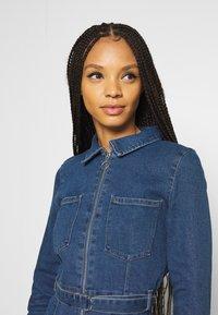 ONLY - ONLPHILLY LIFE ZIPPER DRESS - Denim dress - medium blue denim - 3