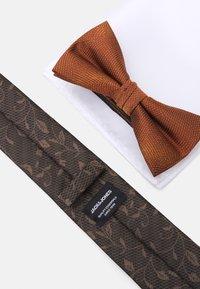 Jack & Jones - JACGOLDIE NECKTIE SET - Tie - black/bronze - 6
