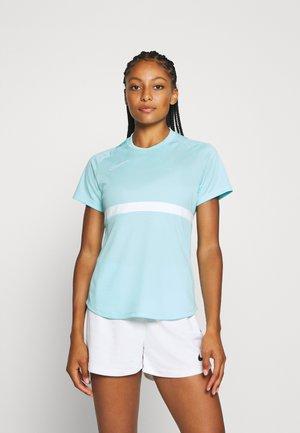 DRY - Camiseta estampada - glacier ice/white