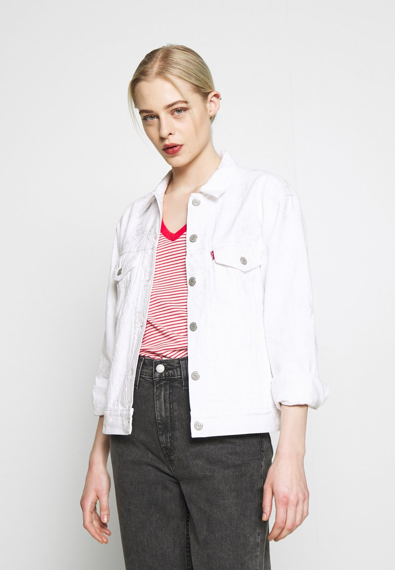 Levi's® - EX BOYFRIEND TRUCKER - Jeansjakke - white