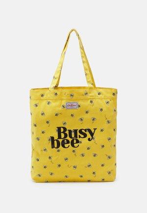 BUSY BEE PERFECT SHOPPER - Velká kabelka - light yellow