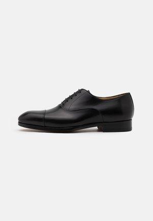 FLEX - Elegantní šněrovací boty - black