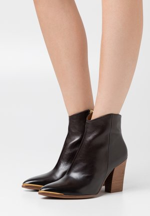High heeled ankle boots - firenze testa di moro