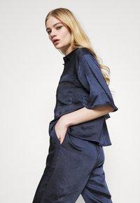 4th & Reckless - JORDANA - Button-down blouse - navy - 3