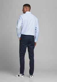 Jack & Jones PREMIUM - JPRBLAROYAL - Formal shirt - cashmere blue - 2