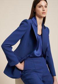 Luisa Spagnoli - SENESI - Blazer - blu/blu - 3