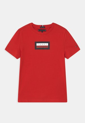 GRAPHIC - T-shirt con stampa - deep crimson