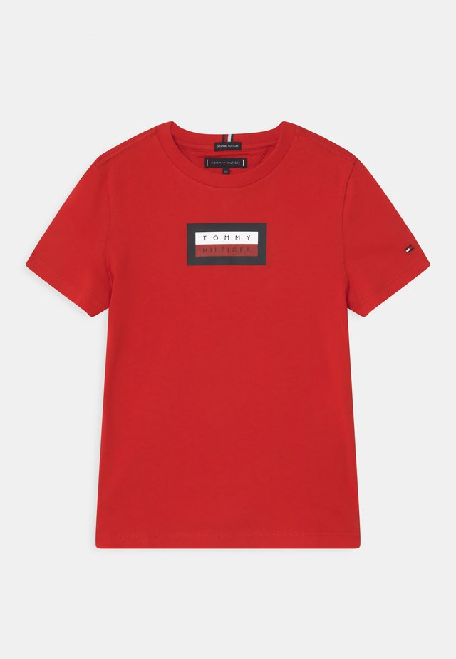 GRAPHIC - Print T-shirt - deep crimson