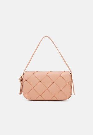 HARPER - Handbag - coral pink grainy