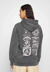 NEW girl ORDER - PLANET WASHED HOODY - Mikina s kapucí - grey - 2